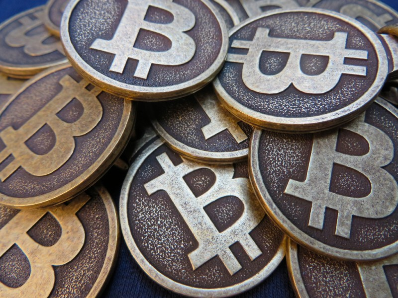 """Windows 10 Store Bitcoin payment removal """"a mistake,"""" says Microsoft in statement - SiliconANGLE"""