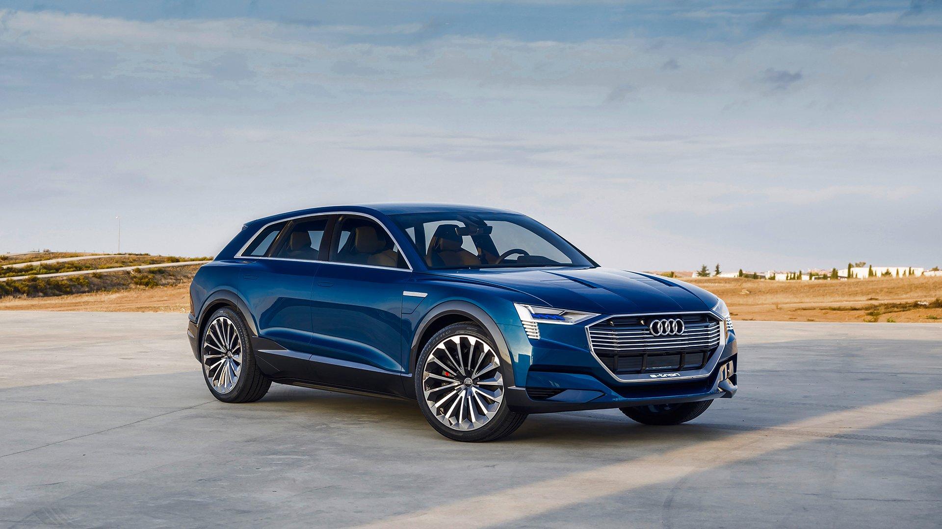 Audi Showcases New Multi Media Interface Oled Lights Piloted