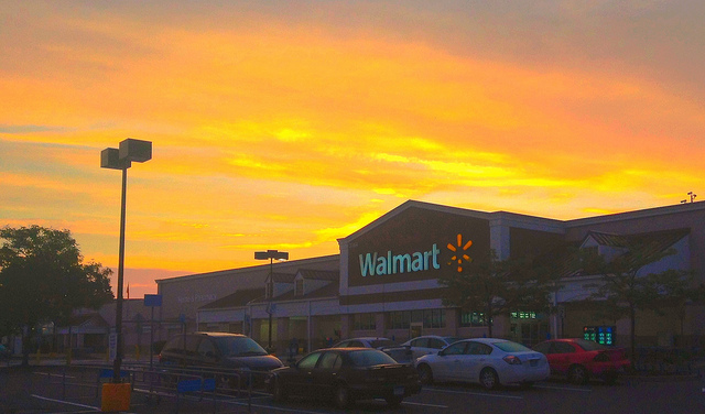 Walmart Asks Partners and Suppliers to Get off Amazon Web Services