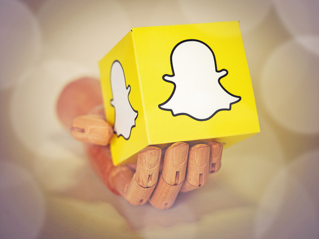 Snapchat convinces investors it can fight Instagram