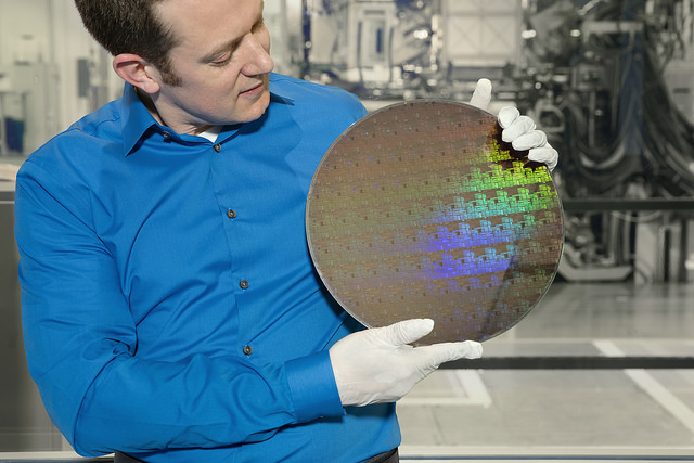 Research alliance builds new transistor for 5nm technology