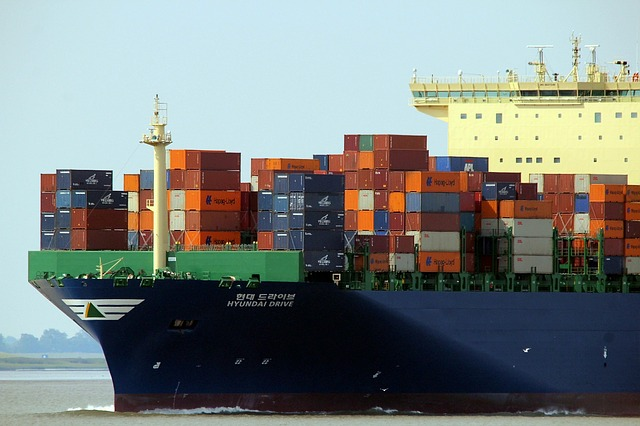 Microsoft, Red Hat expand alliance to containers