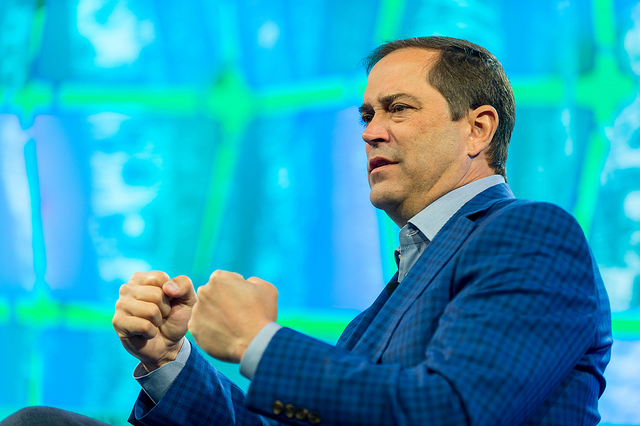 Cisco forecasts return to revenue growth