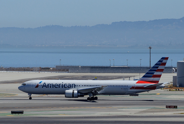 American Airlines Computer Glitch Leaves Thousands of Flights Understaffed During the Holidays