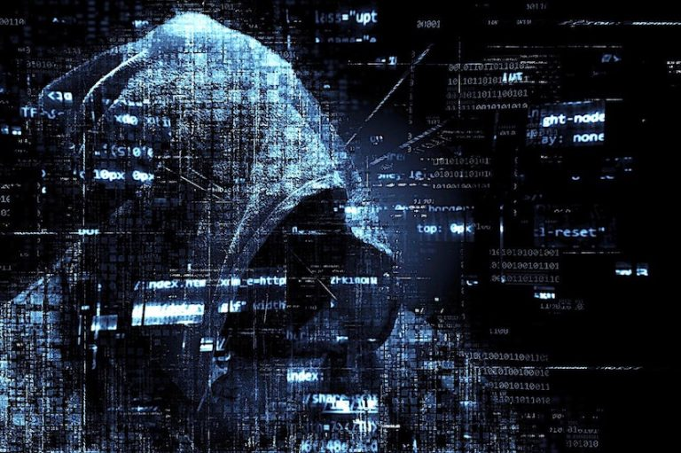 hacker-2300772_1280-thedigitalartist-pixabay