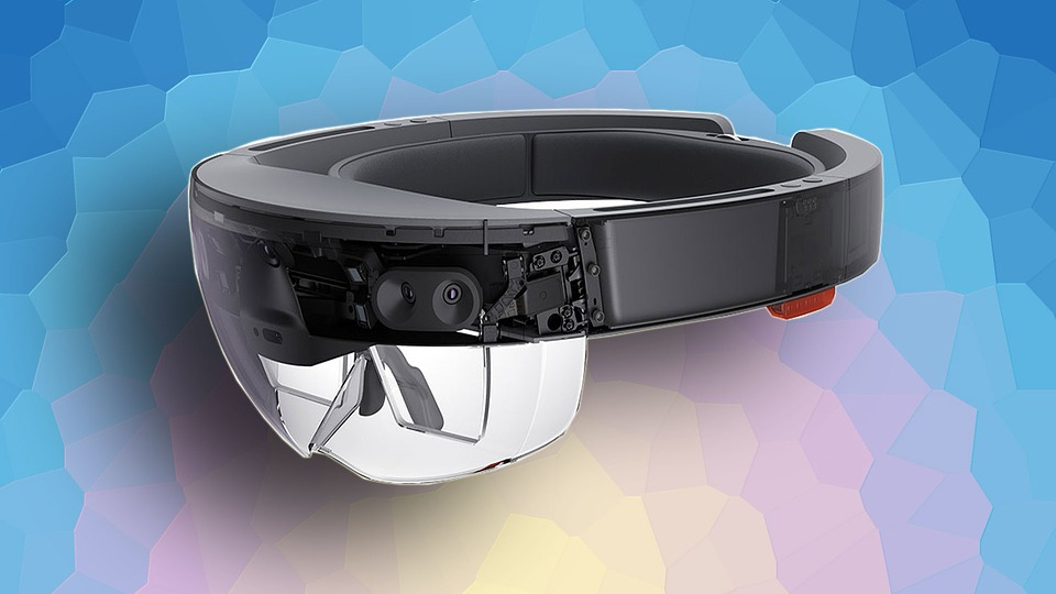 Microsoft may reveal a new version of its HoloLens mixed reality headset in February