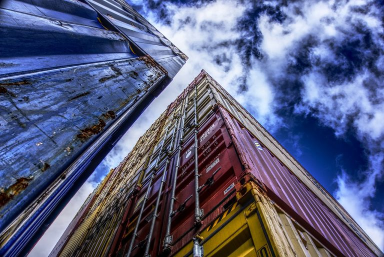 container-2909484_1280-distel2610-pixabay