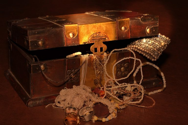 treasure-chest-619762_960_720