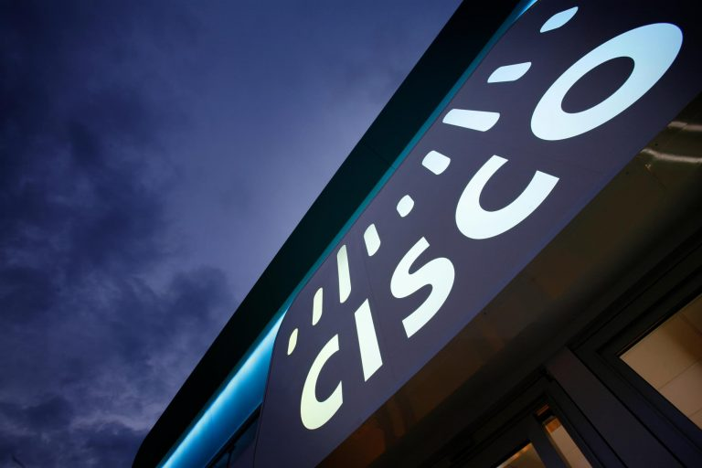 Cisco delivers solid earnings as it steps up a transition to