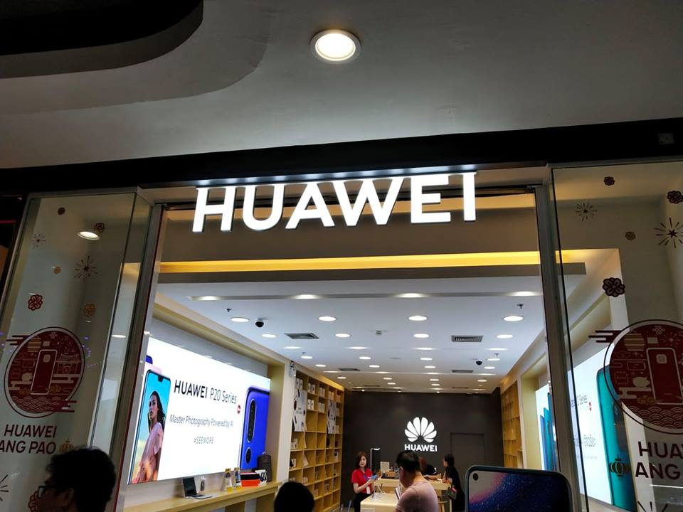 In the face of US bans, Huawei CEO says company experiencing a 'live-or-die moment'