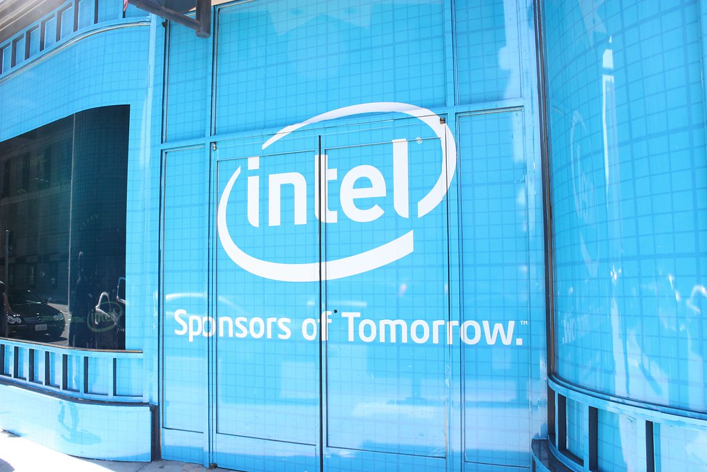 Intel researchers promise faster AI training with new hybrid algorithm - SiliconANGLE