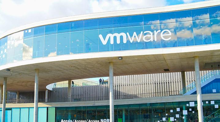 With new platform, VMware extends hybrid cloud push
