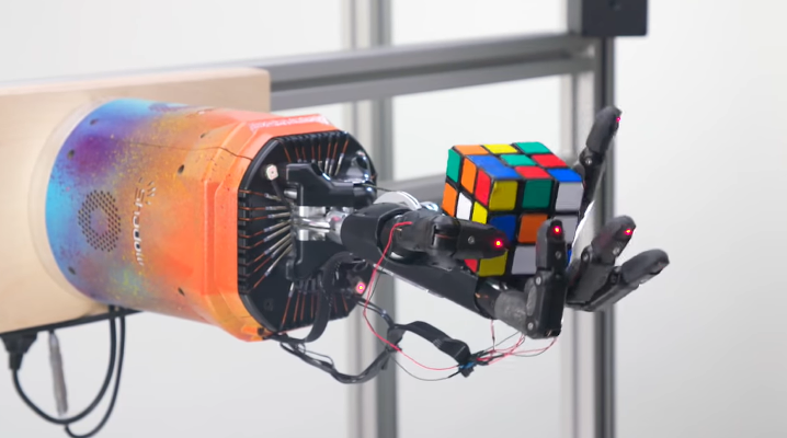 OpenAI uses new simulation technique to teach a robot how to solve a Rubik's Cube
