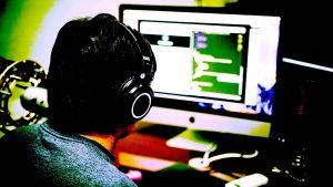 programming-2115930_1920-hitesh0141-pixabay